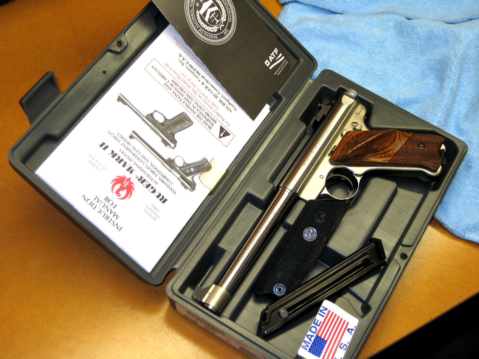 KMK-678...Like New!-ruger-mkii-kmk-678-case.jpg
