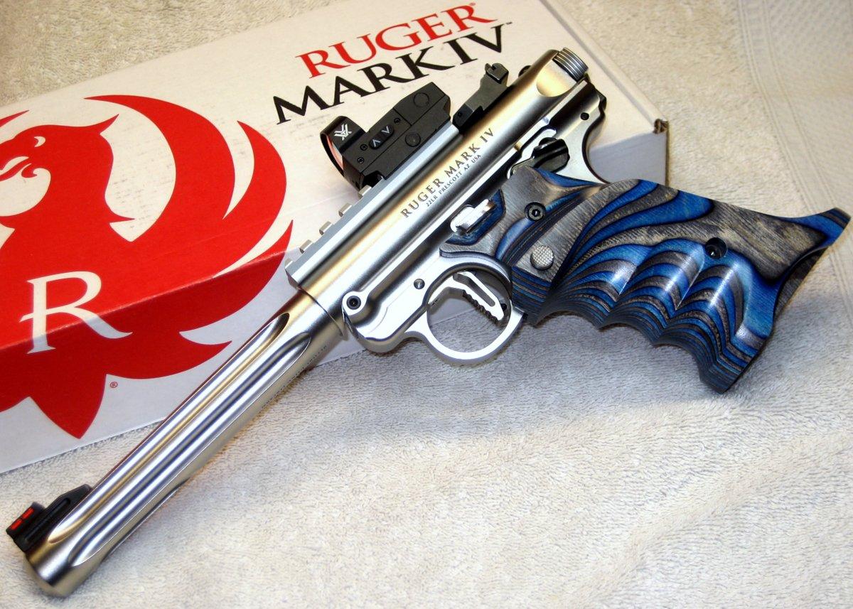 Upgratis end in sight!?!-ruger-mkiv-hunter-vq-laminated-grips-bolt-release-tk-victory-trigger-shadow-pic-rail-vortex-.jpg